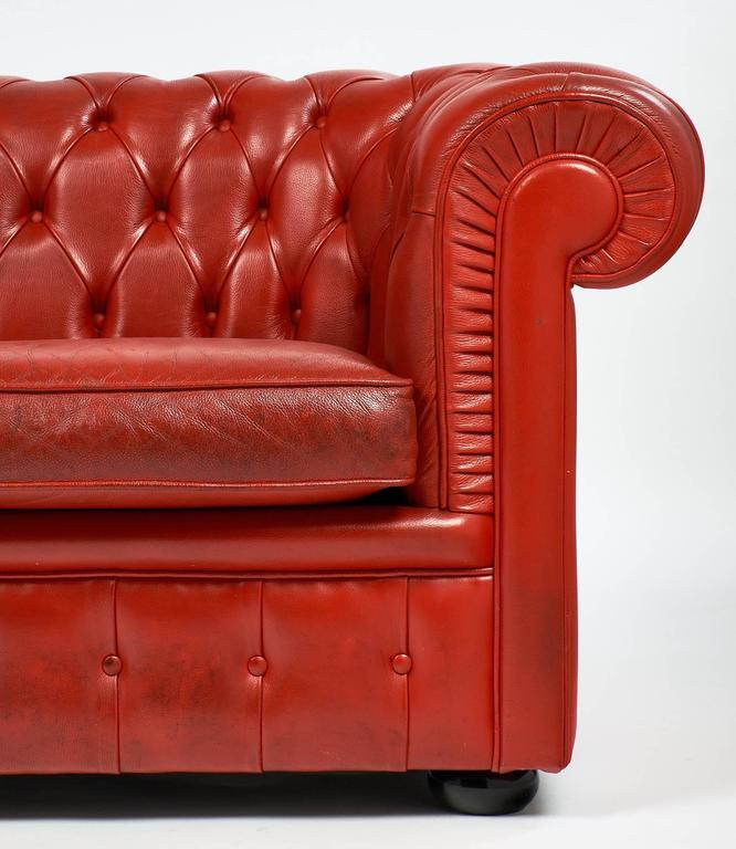 Vintage English Red Leather Chesterfield Couch For Sale 1