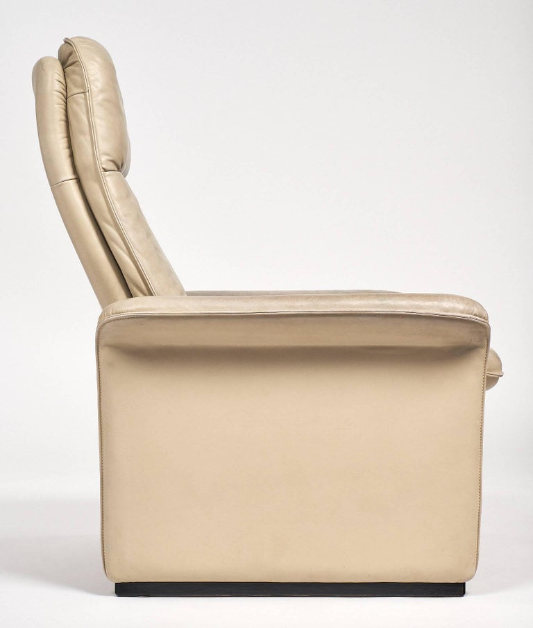 De Sede Cream Leather Armchairs For Sale 2