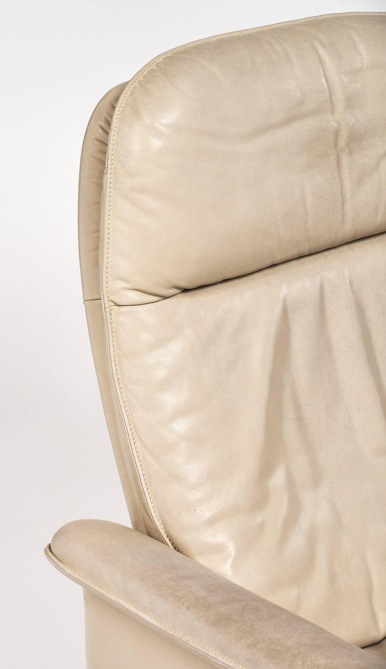 Swiss De Sede Cream Leather Armchairs For Sale