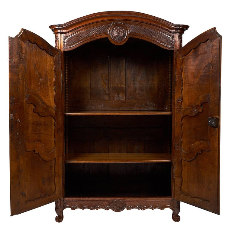 French 18th Century Louis XV Armoire For Sale 2