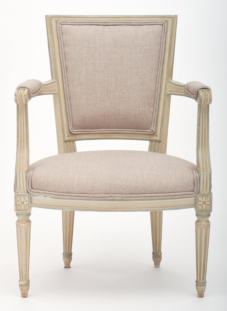 Louis XVI Style Set of Chairs with Armchairs In Good Condition For Sale In Austin, TX