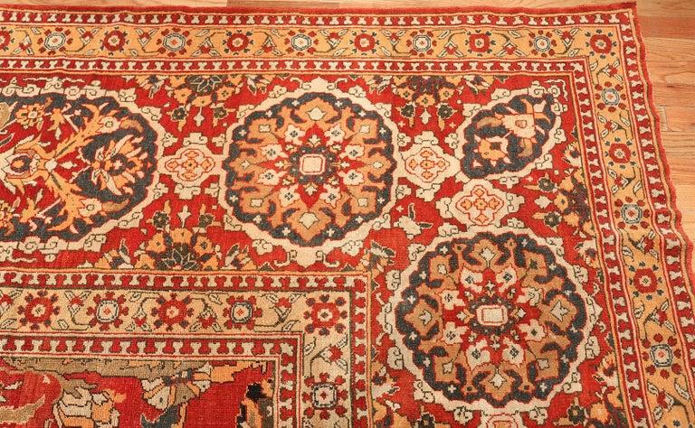 Antique Agra Carpet In Good Condition For Sale In New York, NY