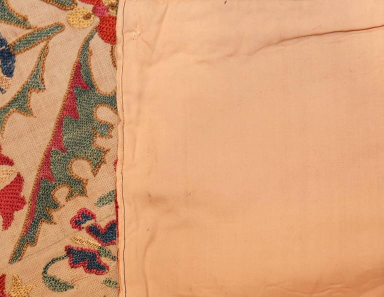 Early 19th Century Suzani Uzbek Textile In Excellent Condition For Sale In New York, NY