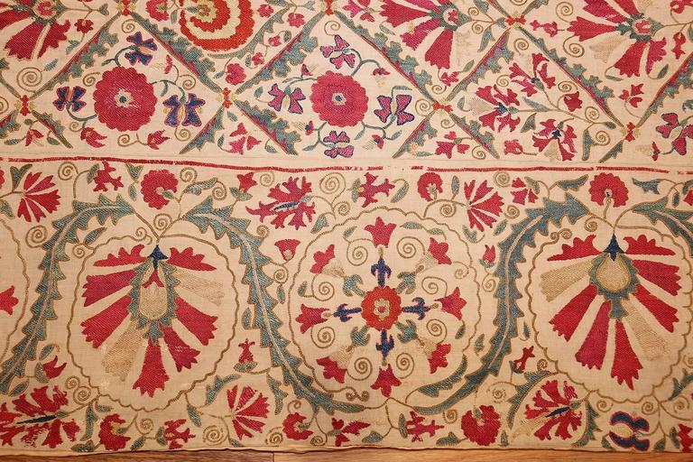Early 19th Century Suzani Uzbek Textile For Sale 4