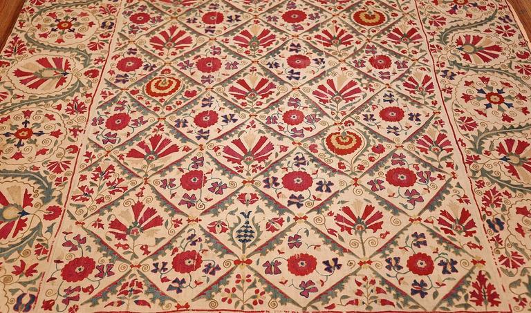 Early 19th Century Suzani Uzbek Textile For Sale 5