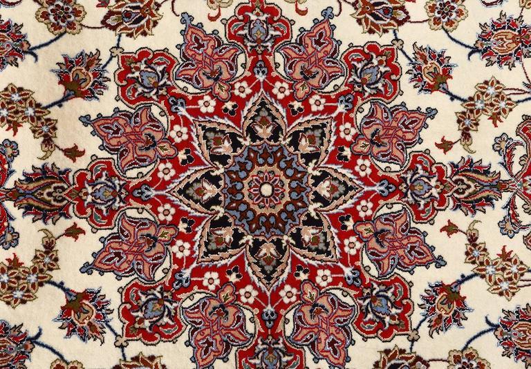 Ivory Vintage Isfahan Persian Rug 4