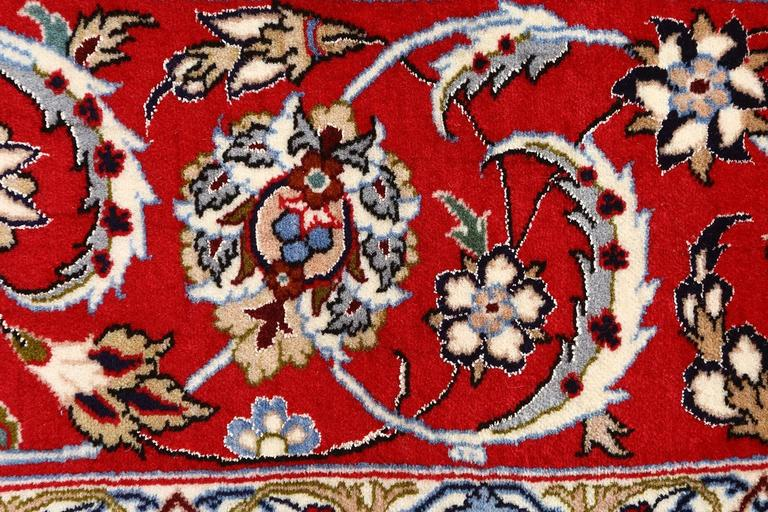 Ivory Vintage Isfahan Persian Rug For Sale 2
