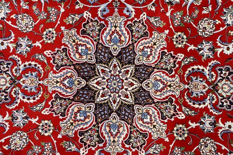 Vintage Isfahan Persian Rug For Sale 2