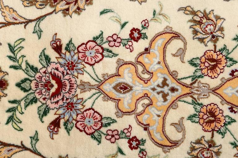 Vintage Isfahan Persian Rug 3