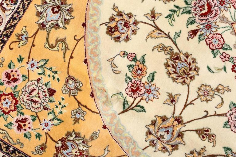 Vintage Isfahan Persian Rug 8