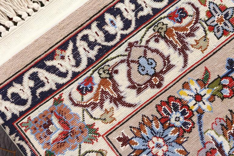 Vintage Isfahan Persian Rug In Excellent Condition For Sale In New York, NY