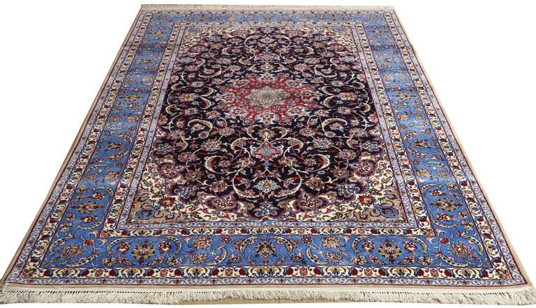 Vintage Isfahan Persian Rug For Sale 3
