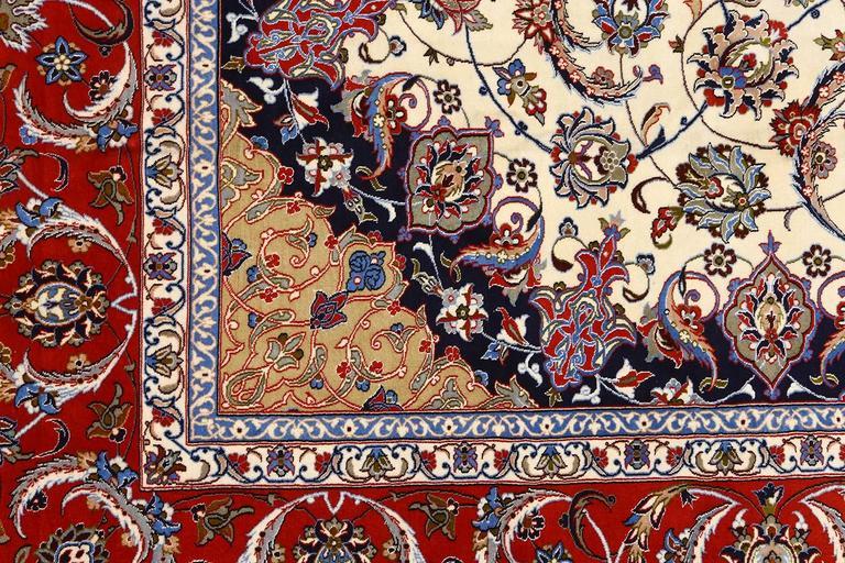 Vintage Isfahan Persian Rug 4