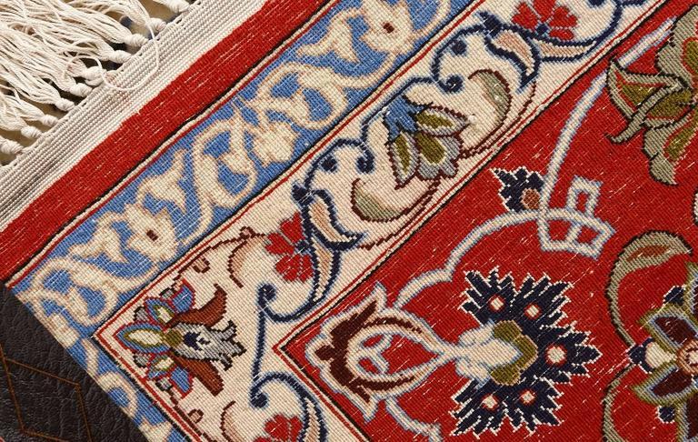 Vintage Isfahan Persian Rug 9