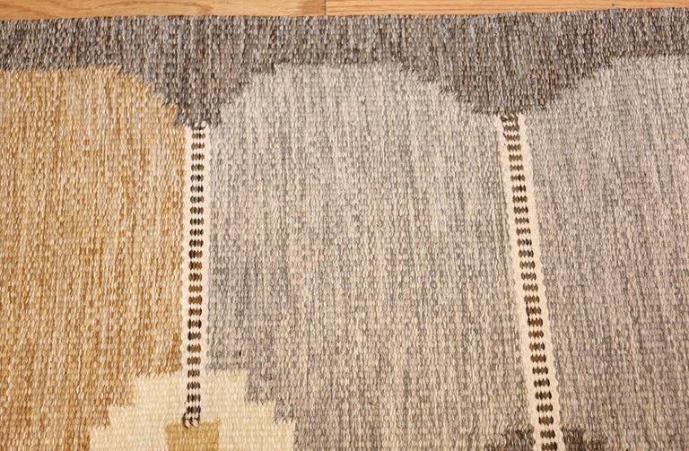 Vintage Swedish Kilim by Ingegerd Silow In Excellent Condition For Sale In New York, NY