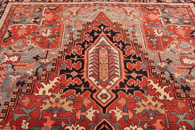 Large Oriental Antique Persian Serapi Heriz Rug For Sale 1
