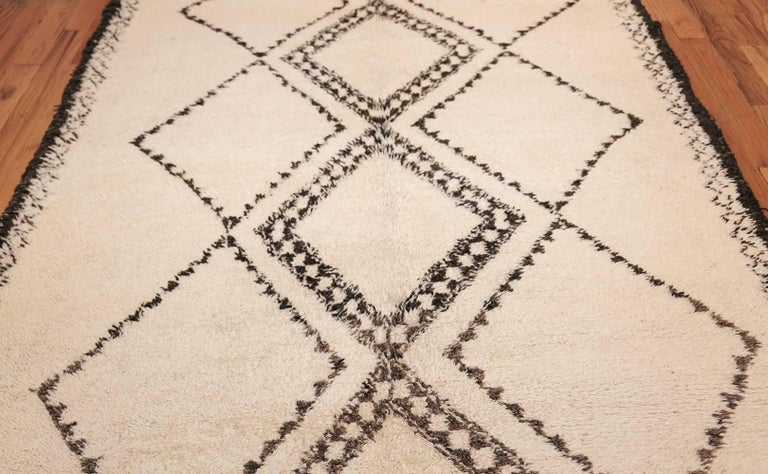 Vintage Mid-Century Moroccan Beni Ourain Rug 5