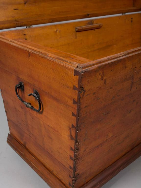 Mid-19th Century 19th Century Pine Blanket Chest For Sale