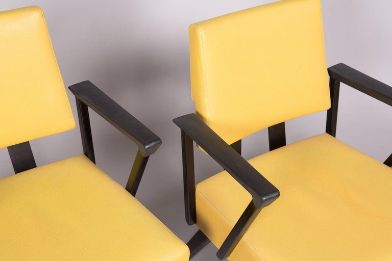 Original Yellow and Black Midcentury Armchairs In Good Condition For Sale In New York, NY