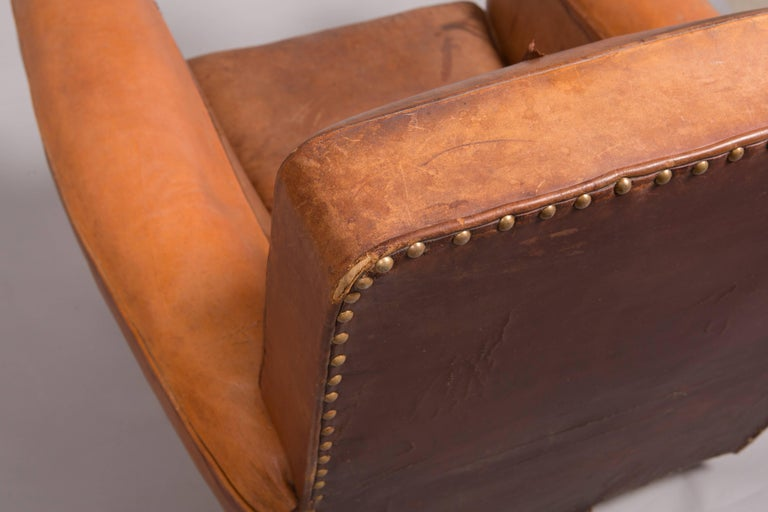 1970s Beautifully Distressed Beat-Up Leather Chair For Sale 5