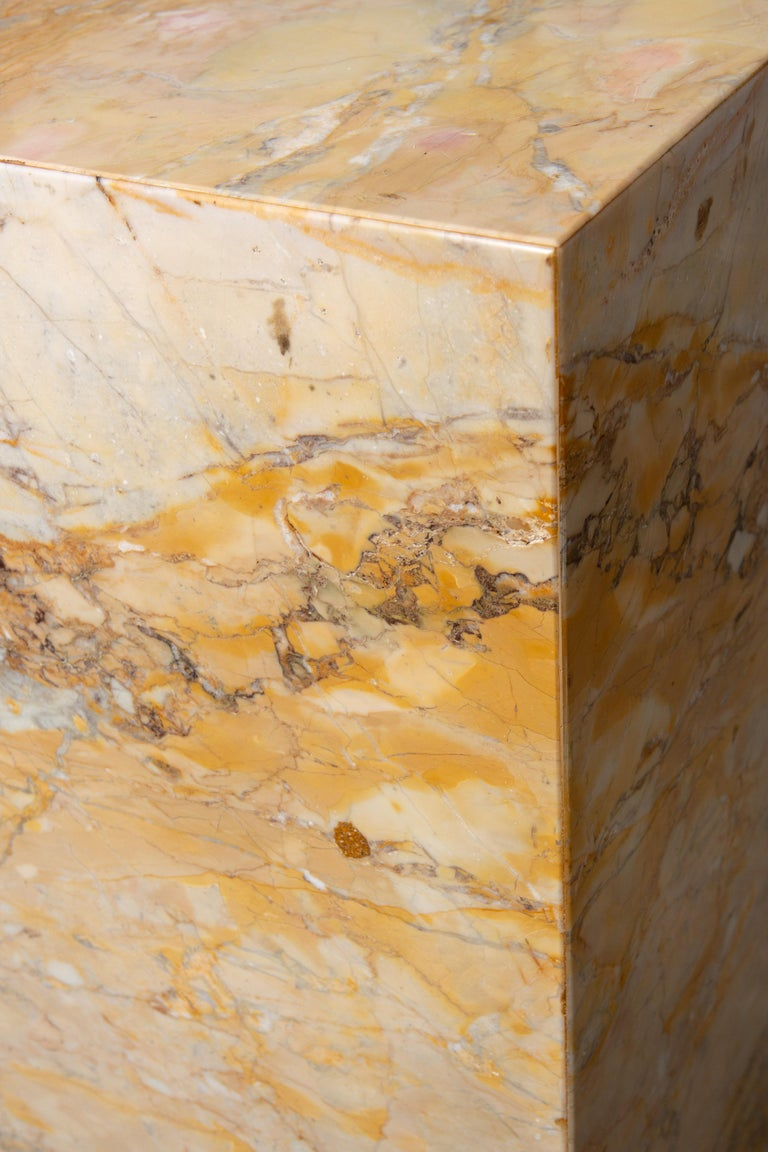 Ochre and Tan Midcentury Marble Italian Pedestal In Good Condition For Sale In New York, NY
