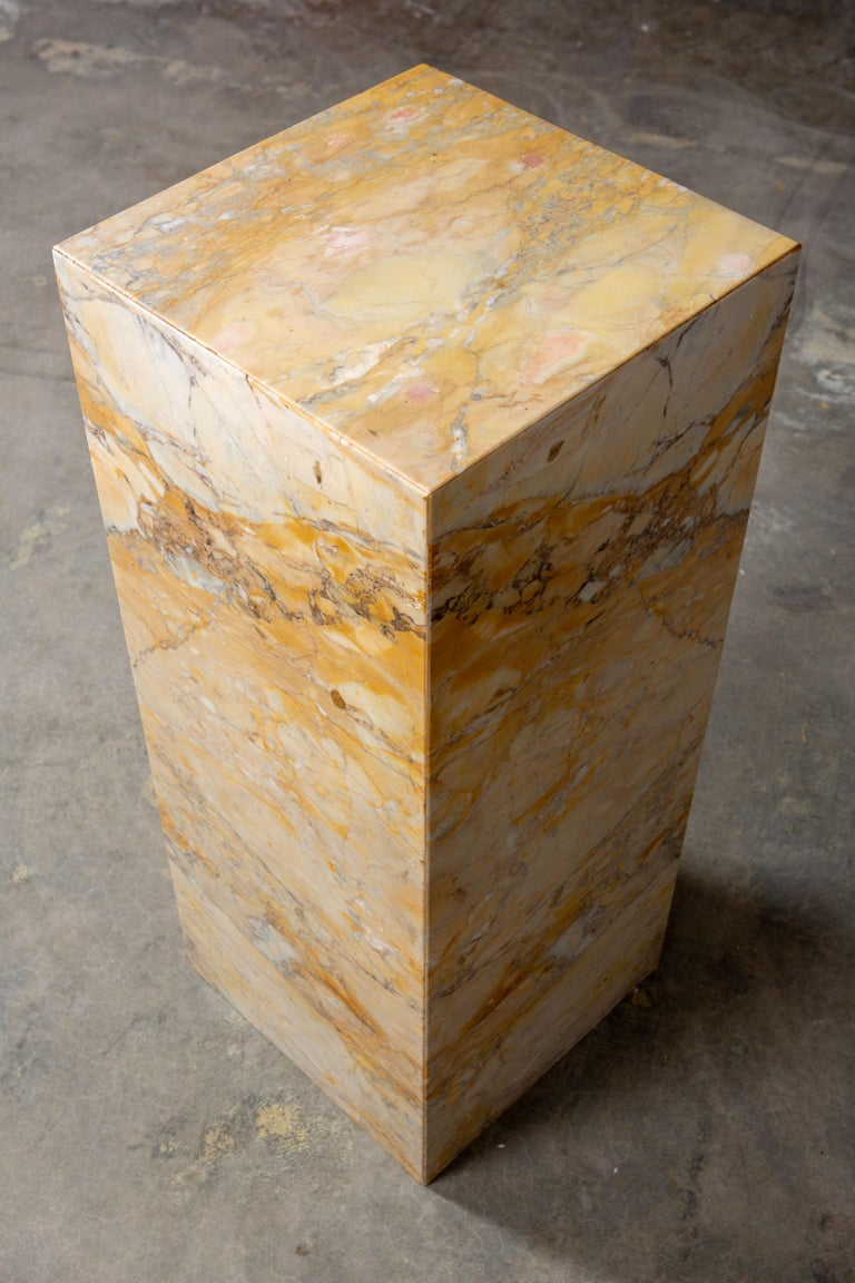 20th Century Ochre and Tan Midcentury Marble Italian Pedestal For Sale