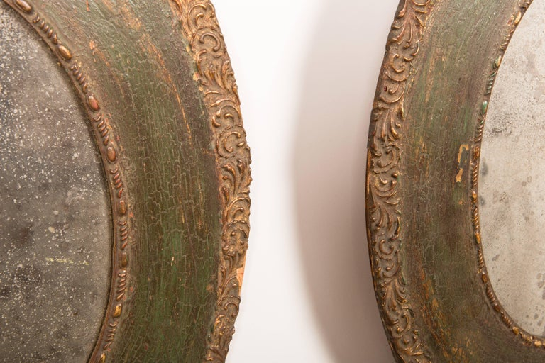 Pair of 19th-Century Antique Oval Mirrors For Sale 1