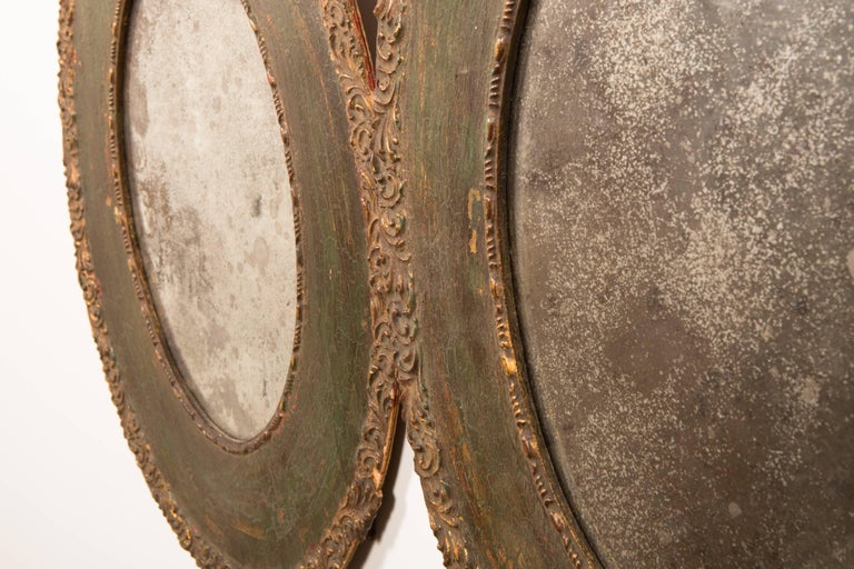 Pair of 19th-Century Antique Oval Mirrors For Sale 2