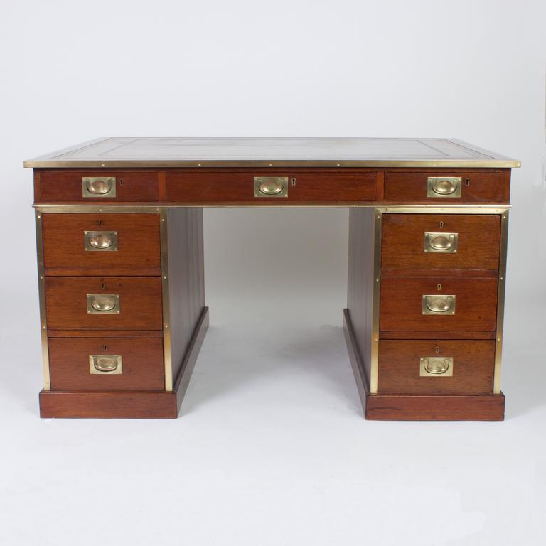 Large Antique English Mahogany Campaign Partners Desk In Excellent  Condition For Sale In Palm Beach, - Large Antique English Mahogany Campaign Partners Desk At 1stdibs