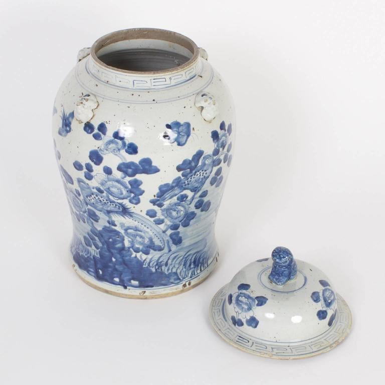 Pair of Chinese Export Style Blue and White Lidded Jars In Excellent Condition For Sale In Palm Beach, FL