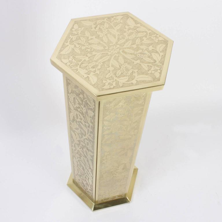 Anglo Indian or Moorish Pair of Brass Pedestals In Good Condition For Sale In Palm Beach, FL