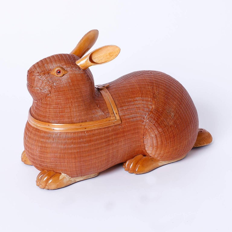 Mid-Century Wicker and Wood Rabbit Sculpture or Box In Excellent Condition For Sale In Palm Beach, FL
