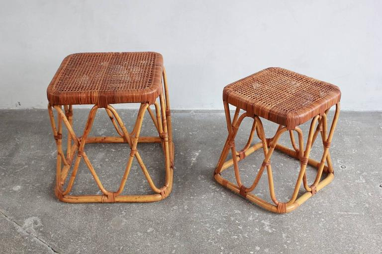 Pair of Square Wicker Nesting Tables In Distressed Condition For Sale In Los Angeles, CA