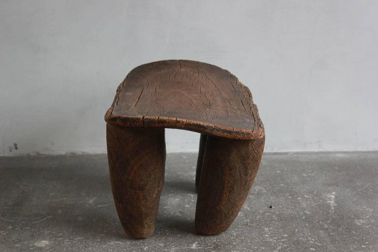 Aged Senufo Stool In Distressed Condition For Sale In Los Angeles, CA