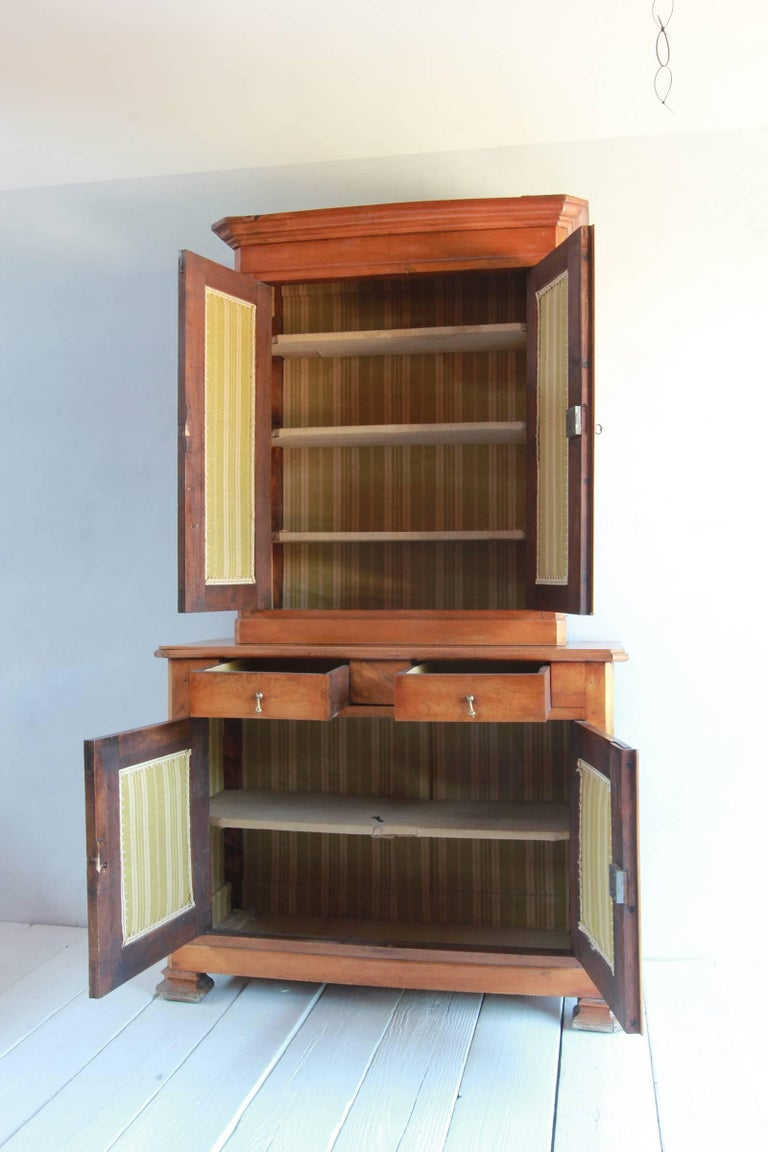 Early 20th Century Large Two-Piece Elmwood Linen Press Hutch with Fully Lined Interior For Sale