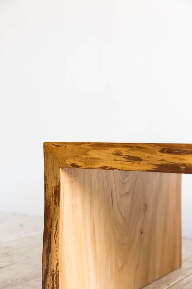 Live Edge Coffee Table In Distressed Condition For Sale In Los Angeles, CA