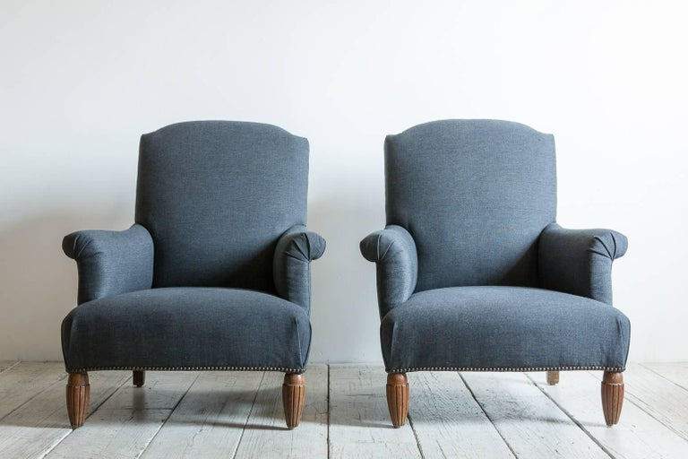 Pair of Vintage Armchairs with Ottoman with Carved Wooden Legs 5