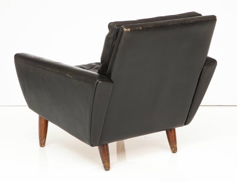 Pair of Midcentury Black Leather Chairs from France For Sale 3