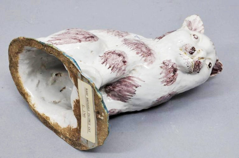 Belgian Brussels Faience Model of a Cat,  Philippe Mombaers, circa 1765-1785 For Sale