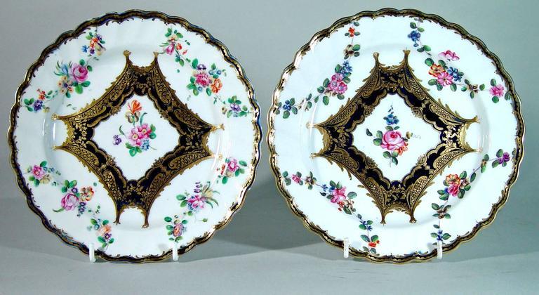 Georgian Chelsea Porcelain Set of Six Botanical Dessert Plates, 18th Century For Sale