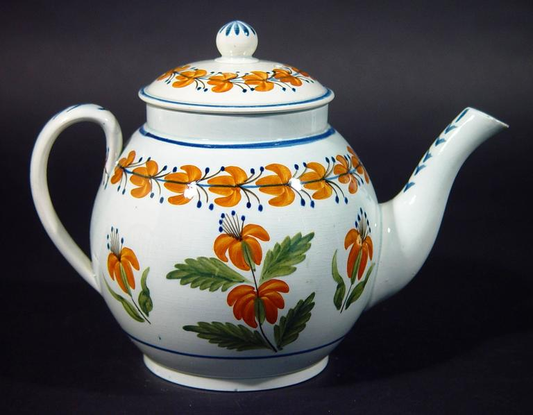 English Pottery Pearlware Teapot decorated with Unusual Prattware Orange Flowers In Excellent Condition For Sale In Downingtown, PA