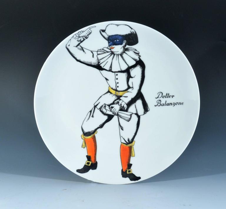Piero Fornasetti Commedia Dell'arte Maschere Italiane Porcelain Plates In Good Condition For Sale In Downingtown, PA