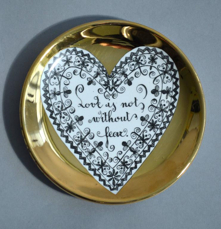 Piero Fornasetti Set of Eight Porcelain Love Coasters, 1960s In Excellent Condition For Sale In Maryknoll, NY