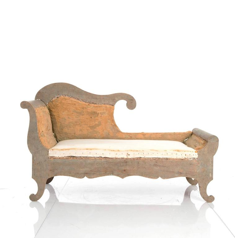 Rococo painted chaise longue at 1stdibs - Chaise style baroque ...
