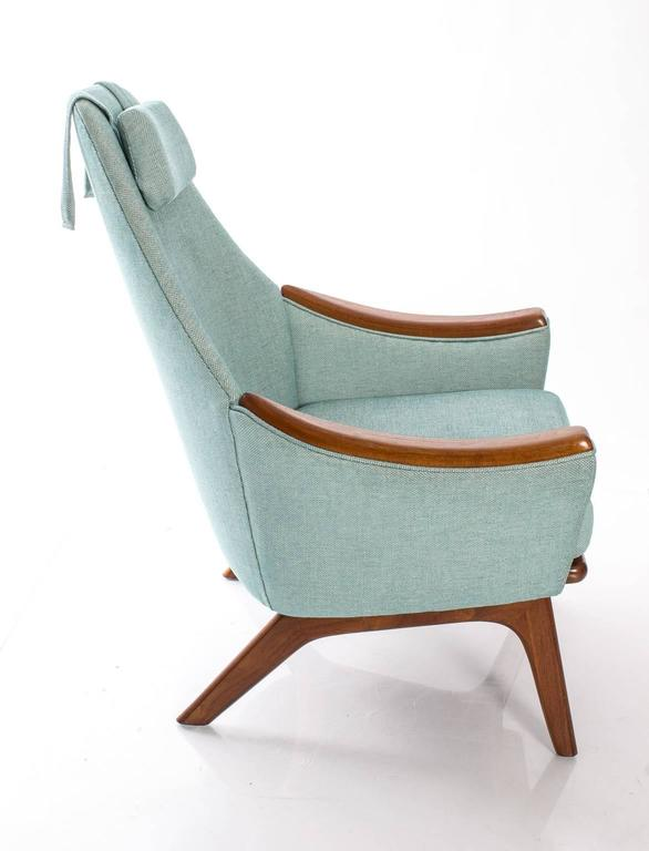 "Adrian Pearsall for Craft Association ""His and Hers"" Lounge Chairs In Good Condition For Sale In Stamford, CT"