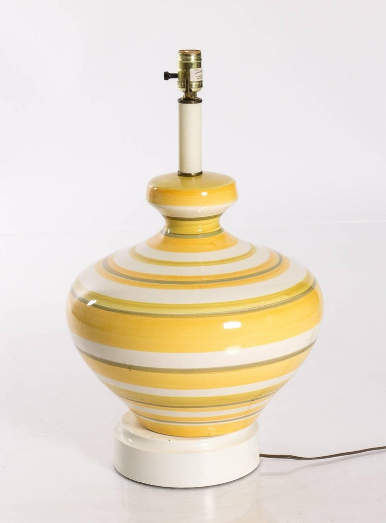 Wood Pair of Ceramic Yellow and White Table Lamps For Sale