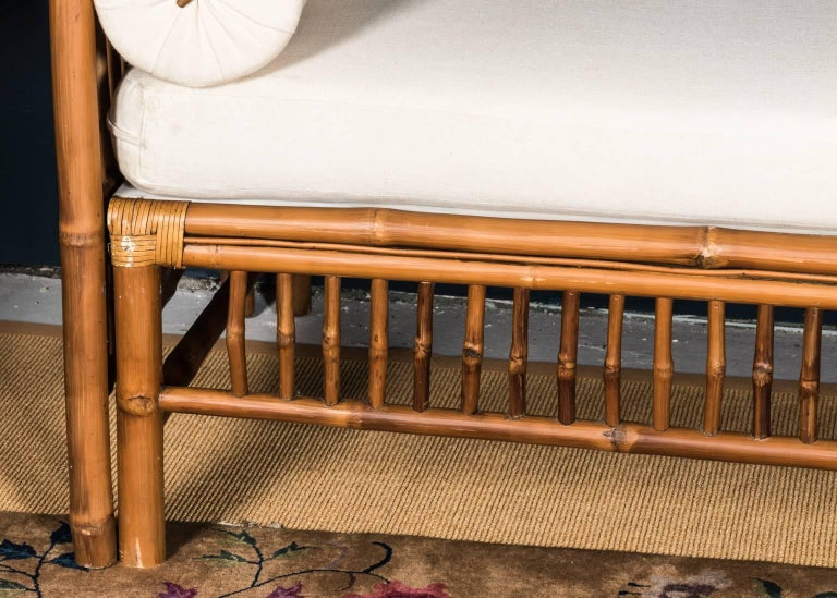 Rattan Faux Bamboo Canopy Bed In Good Condition For Sale In Stamford, CT