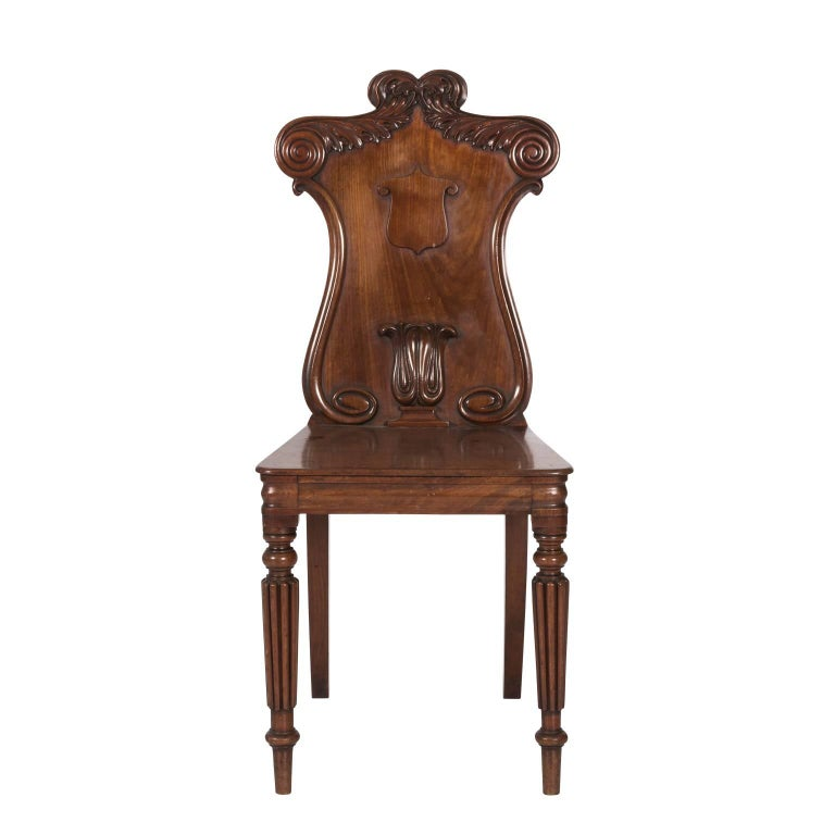Pair of Mahogany Hall Chairs In Good Condition For Sale In Stamford, CT