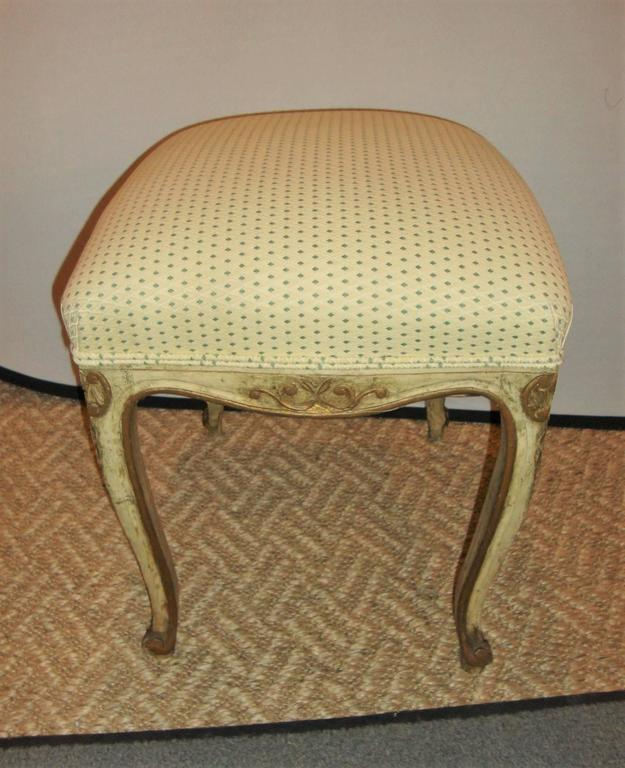 20th Century Pair of French Louis XV Style Painted Stools For Sale