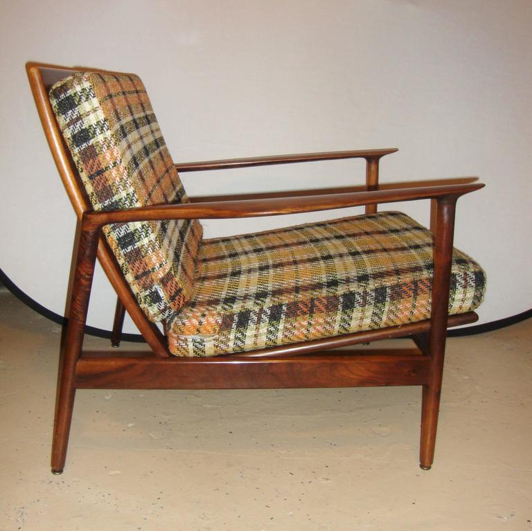 Mid-Century Modern Pair of Ib Kofod-Larsen Stamped Lounge Chairs Fine Scandinavian Design For Sale